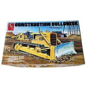 AMT 1/25 Construction Bulldozer Plastic Model Kit